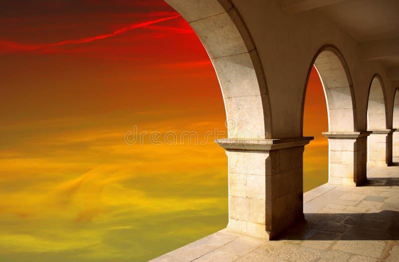 Arcos no por do sol imagens de stock