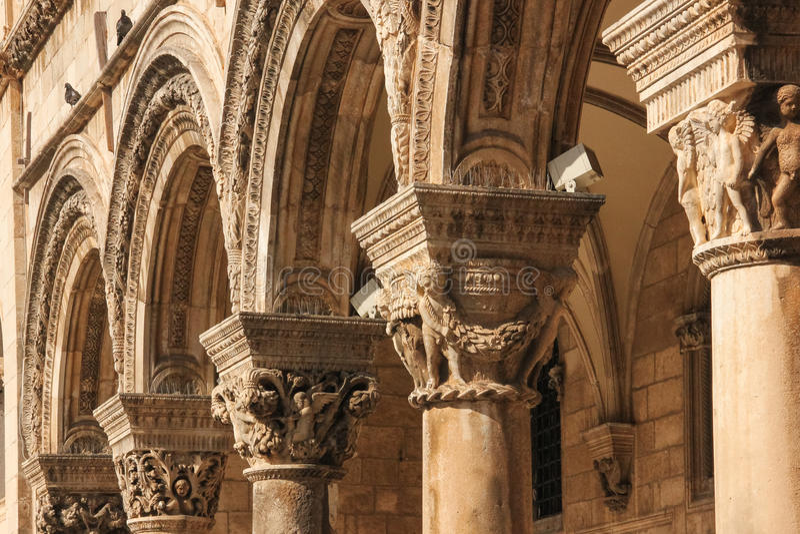 arcos Pórtico del palacio del rector dubrovnik Croacia foto de archivo