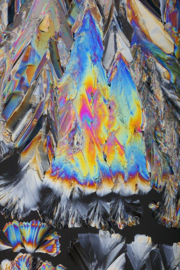 Arcs-en-ciel dans des cristaux de sucre image libre de droits