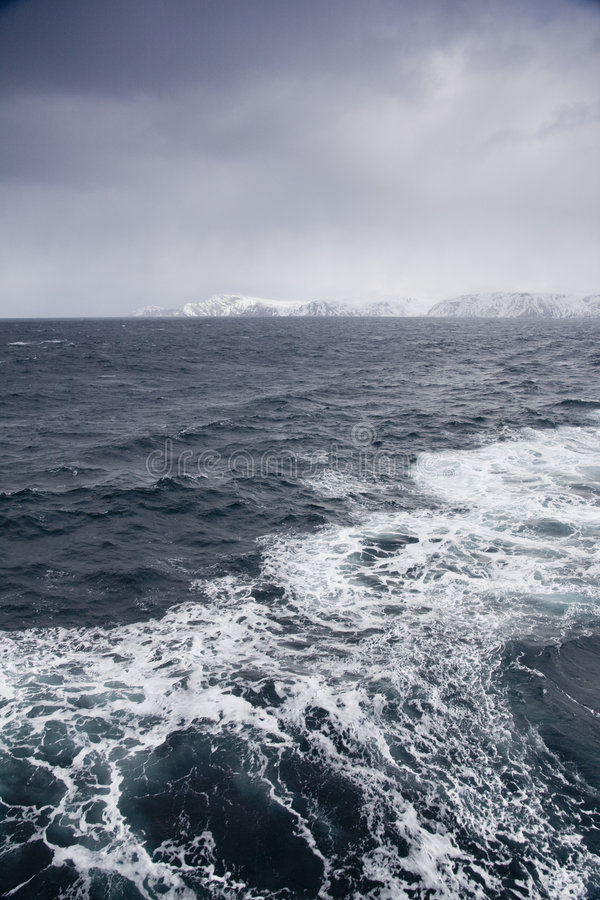 Download Arctic ocean stock image. Image of ocean, hurtigruten - 5556075