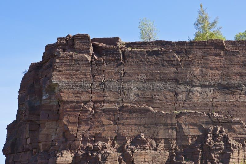 Ardoise de roche dans une mine à ciel ouvert images stock