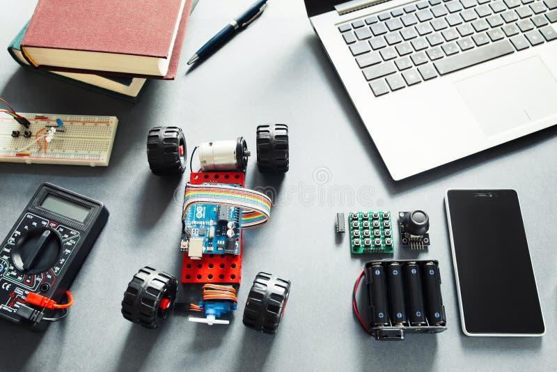 Arduino UNO元素 程序员DIY平台 免版税库存照片