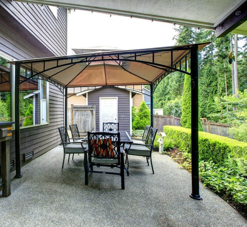 Area del patio sul cortile fotografia stock