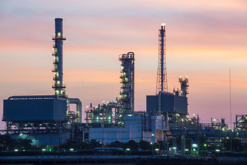 Area della pianta della raffineria di petrolio immagine stock libera da diritti