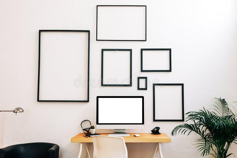 Area di lavoro creativa moderna fotografie stock libere da diritti