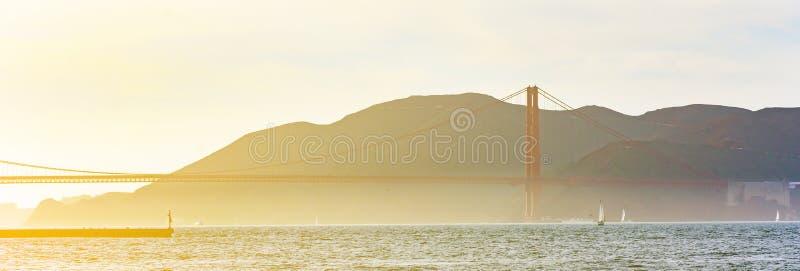 Area di San Francisco Bay con golden gate bridge fotografie stock libere da diritti