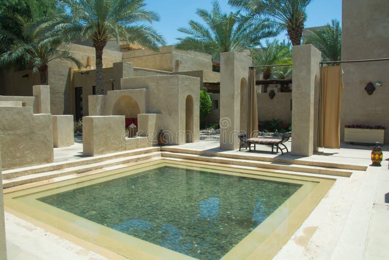 Area fredda alla vista araba della località di soggiorno del deserto di Bab Al Shams immagine stock libera da diritti