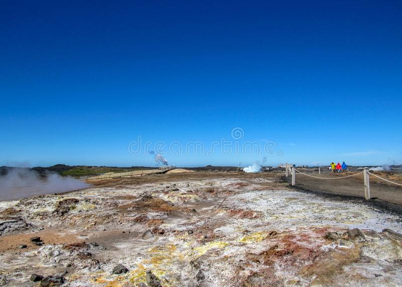 Area geotermica di Gunnuhver - suvÃk del ½ di KrÃ, Seltun, Geopark globale, area attiva geotermica in Islanda fotografie stock libere da diritti