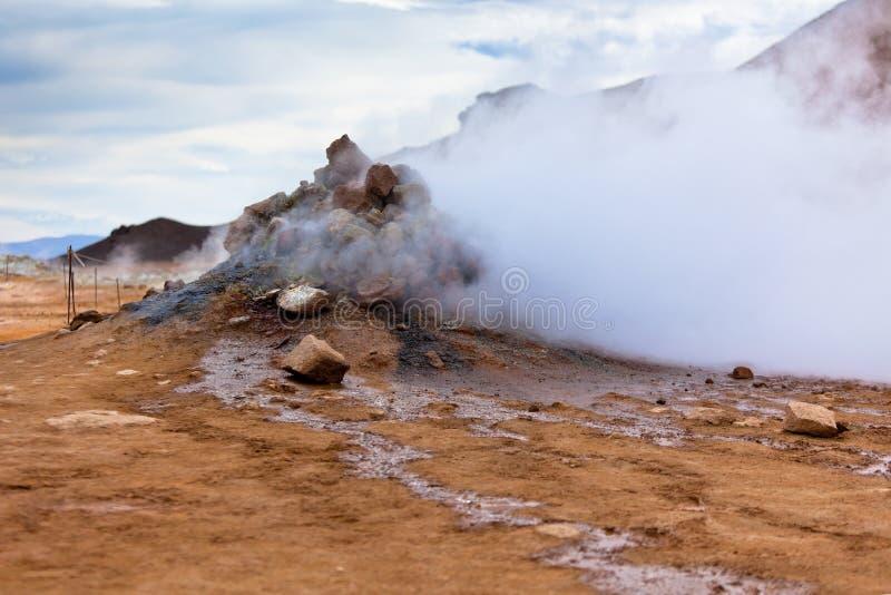 Area geotermica Hverir, Islanda fotografia stock libera da diritti
