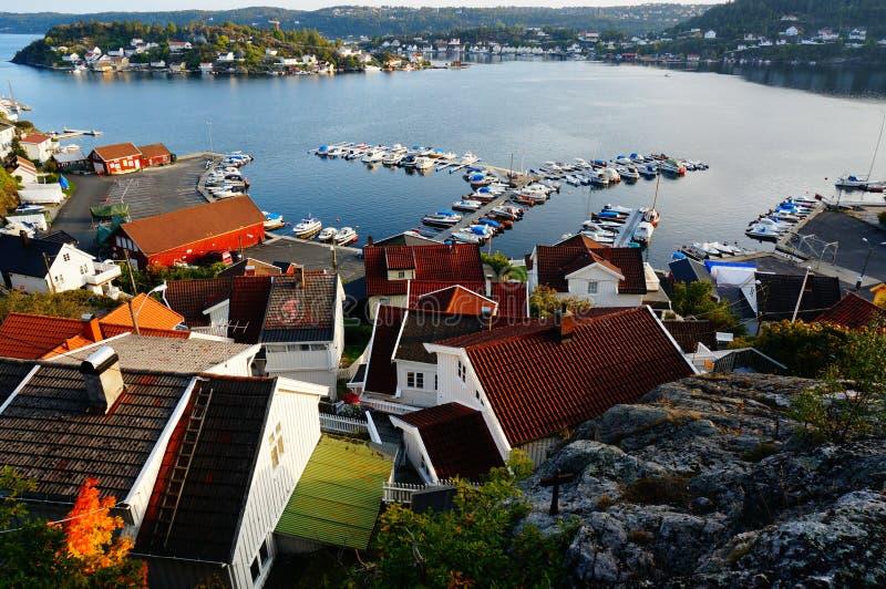 Areal sikt av Krageroen och fjorden, Norge royaltyfri bild