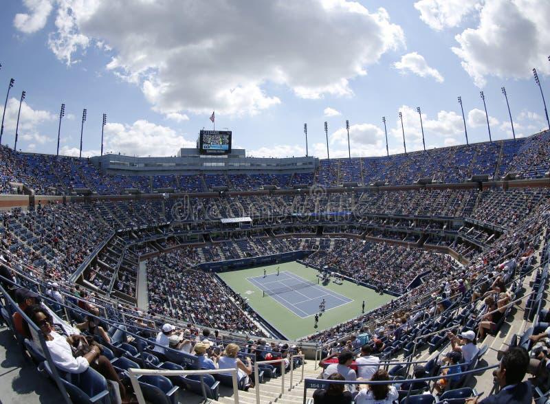 Areal widok Arthur Ashe stadium przy Billie Cajgowego królewiątka tenisa Krajowym centrum podczas us open 2013 obraz royalty free