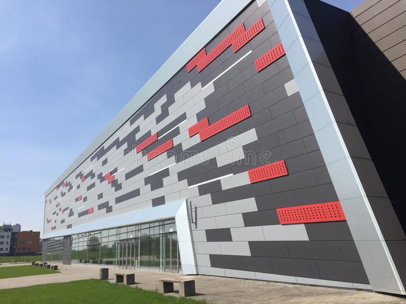Arena de deporte moderna en Koszalin Polonia imagenes de archivo