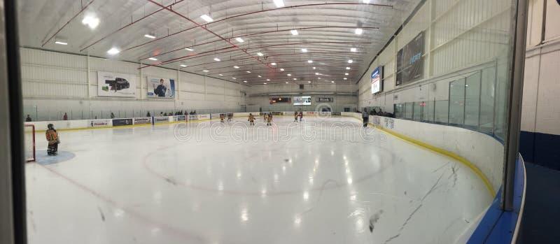 Arena de la pista de hielo panorámica imagen de archivo