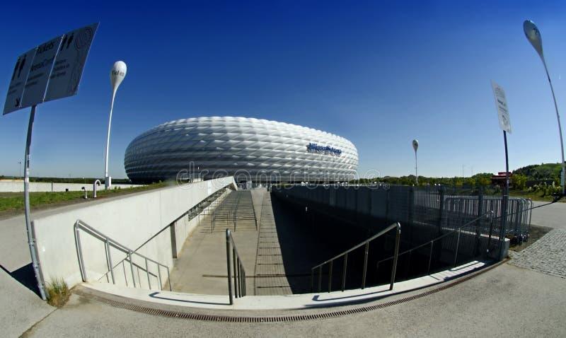 Arena de Munich Allianz - una visión desde el sur. fotos de archivo