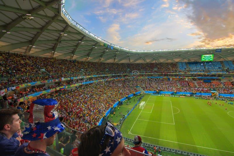 A arena a Dinamarca AmazÃ'nia é enchida à capacidade para os E.U. contra o fósforo de Portugal imagens de stock