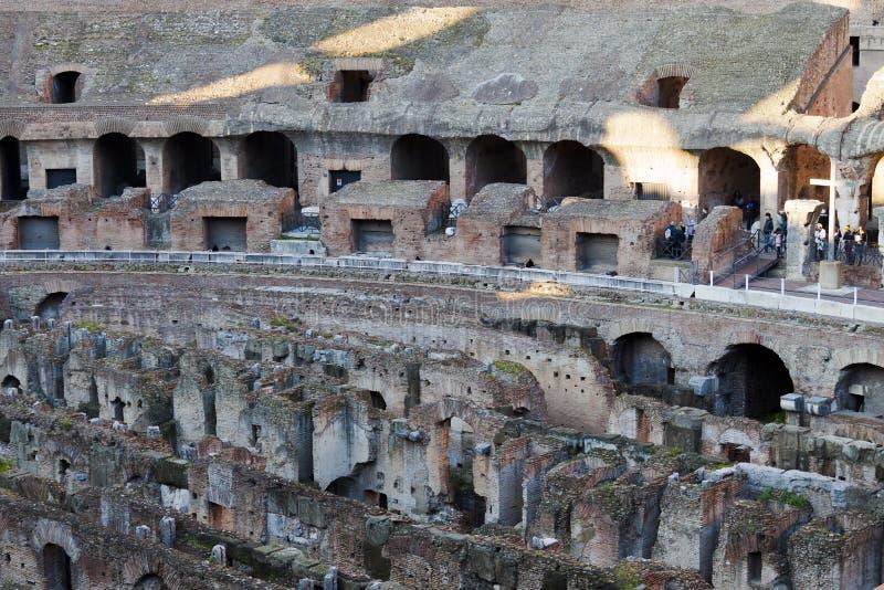 Arena do anfiteatro de Colosseum e Hypogeum - Roma foto de stock