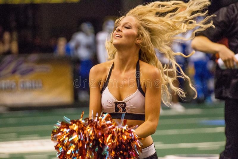 Arena-Fußball-Cheerleader Arizonas Rattlers stockfoto