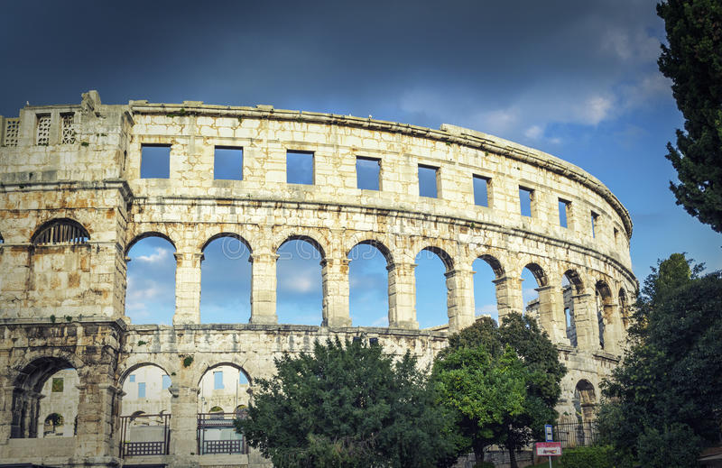Arena i Pula arkivbild