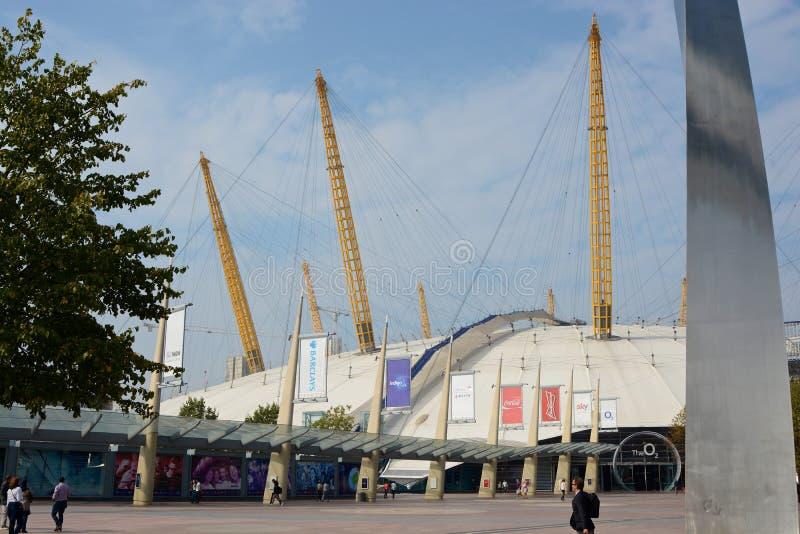 Arena O2 em Greenwich, Londres, Inglaterra foto de stock royalty free