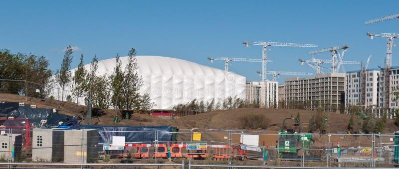 Arena olímpica do basquetebol sob a construção, fotos de stock royalty free