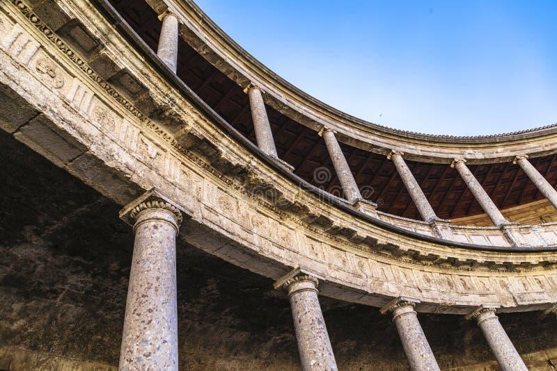 Arena in palazzo di Carlos 5 nel complesso di Alhambra a Granada immagini stock libere da diritti