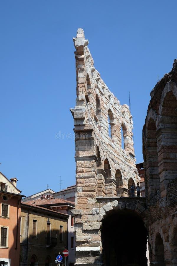 Arena romana antica del amphitheatre a Verona immagini stock