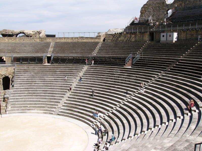 Arena romana em Provence imagens de stock