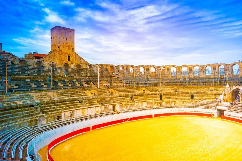 Arena und römischer Amphitheatre in Arles, Frankreich stockfotografie