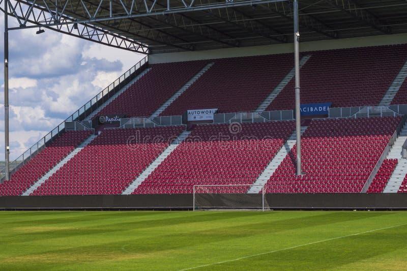 Arena vacía del fútbol imagenes de archivo