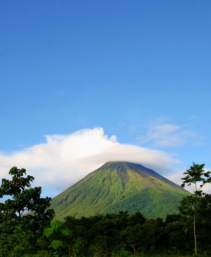 Download Arenal costa rica wulkan obraz stock. Obraz złożonej z podró - 14674873