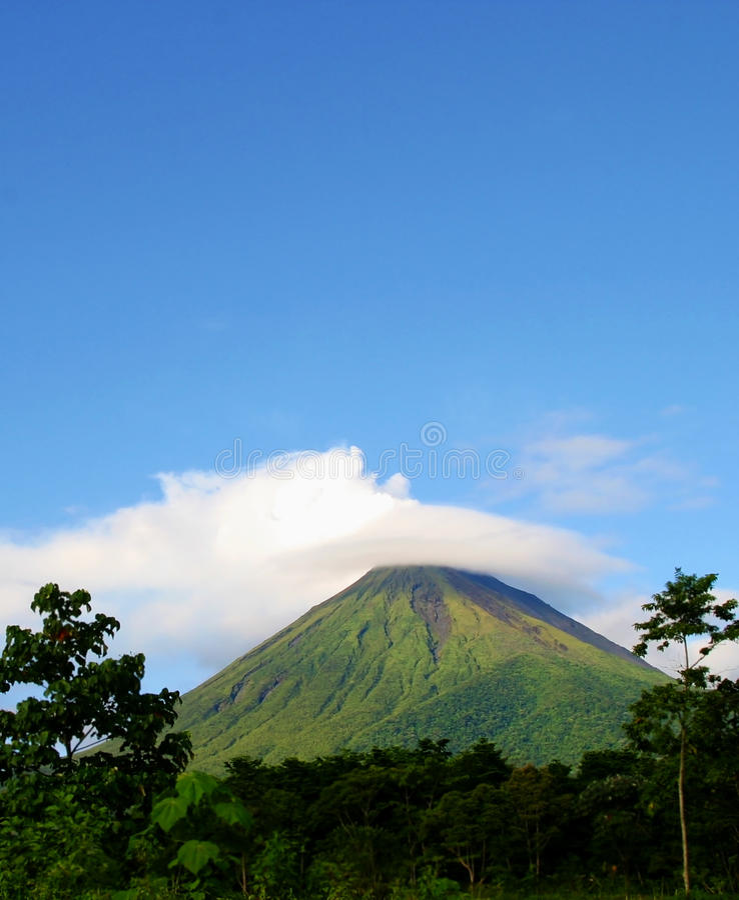 Download Arenal Volcano In Costa Rica Stock Image - Image of erupting, rica: 14674873