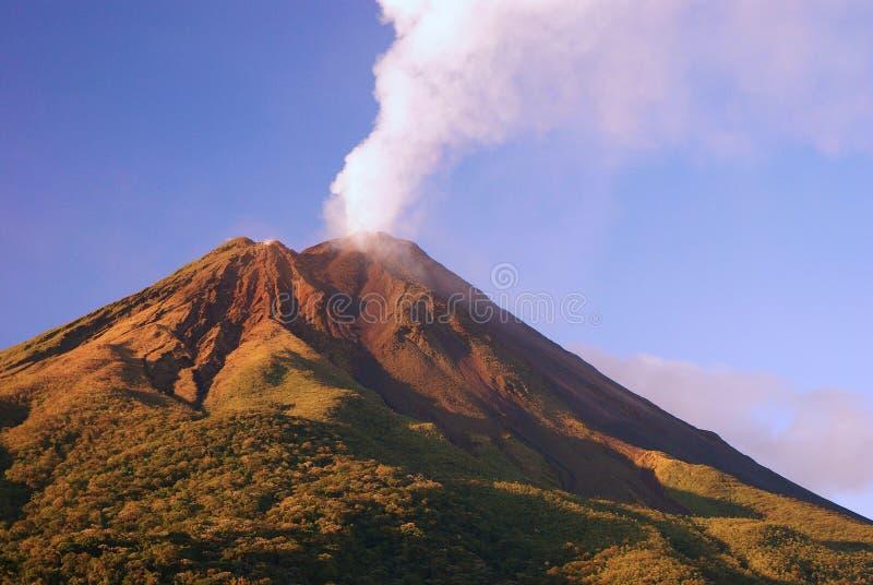 arenal vulkan royaltyfri fotografi