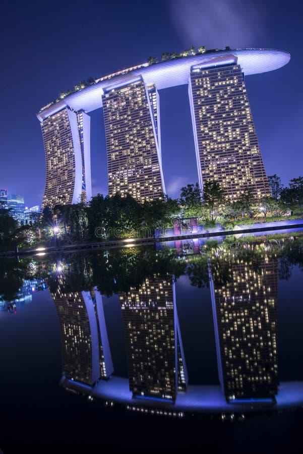 Download Arenas De La Bahía Del Puerto Deportivo, Singapur Imagen de archivo editorial - Imagen de marina, casino: 42430254