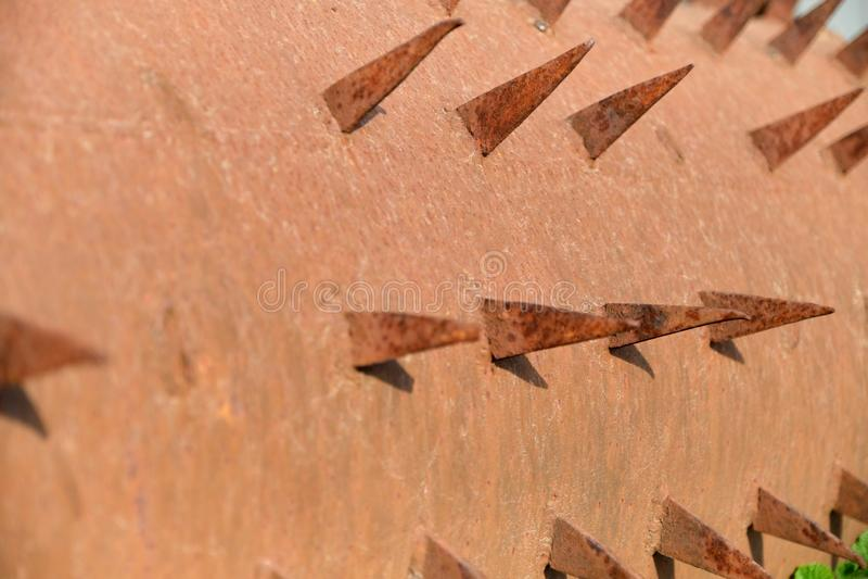 Arentextuur, de roestige oude oppervlakte van het aarmetaal stock foto