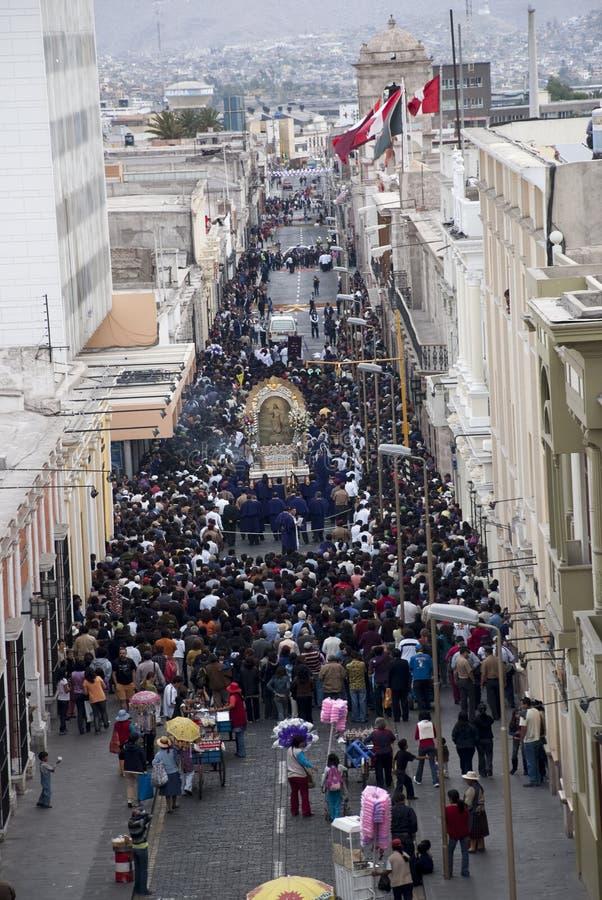 Arequipa, celebrações de PeruApril 2017Religious perto do quadrado principal da cidade fotografia de stock royalty free