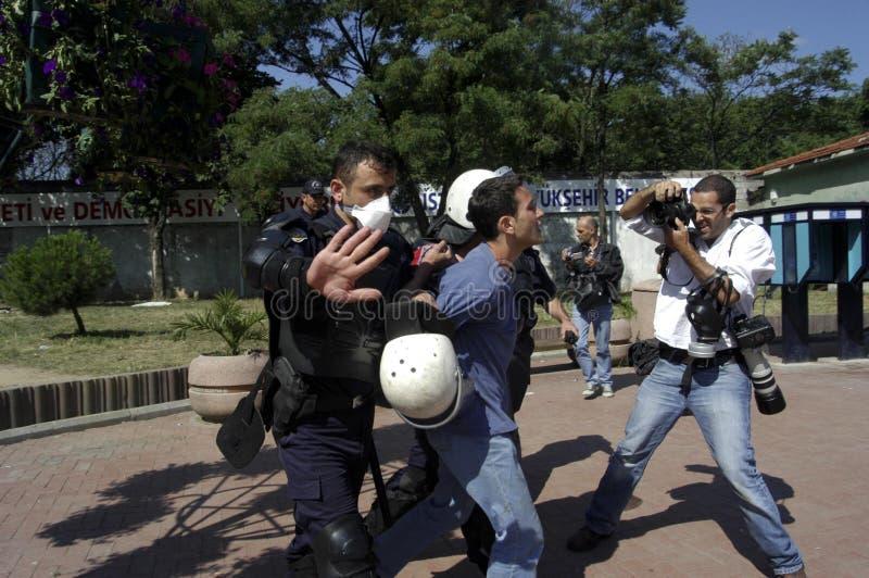 aresztujący demonstranci obraz royalty free