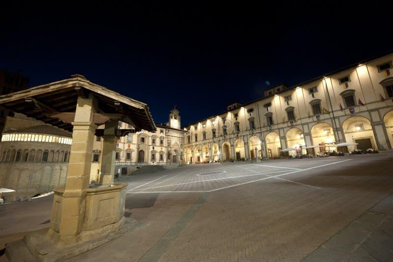 arezzo średniowieczny noc kwadrat Tuscany obraz stock