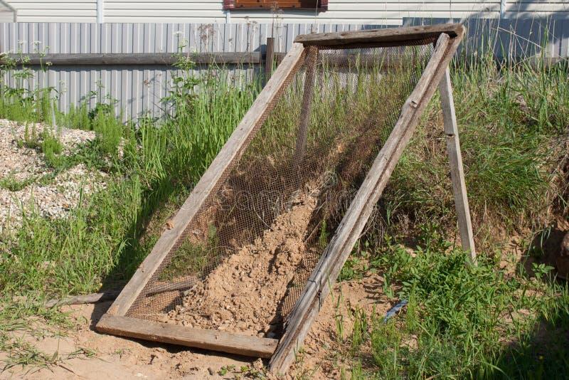 Arfa dla suszyć piasek i sieving zdjęcia stock