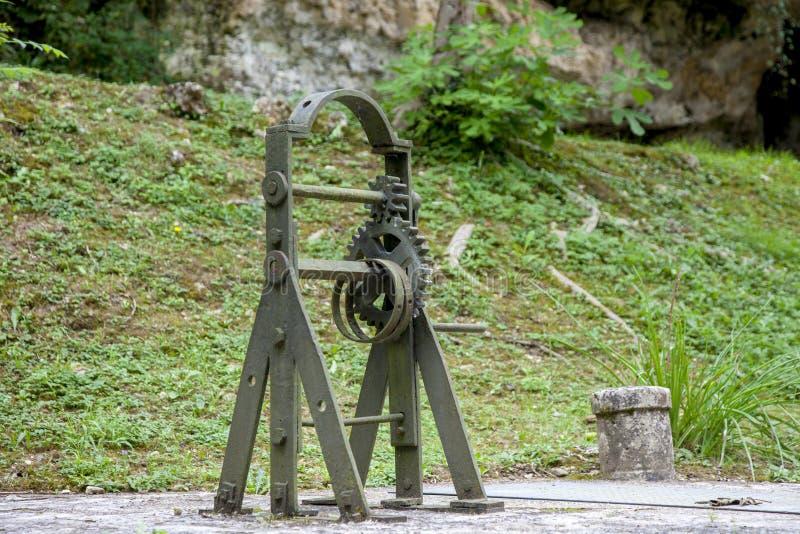Argano della serratura sul fiume Baise nella città di Nerac in Francia immagini stock libere da diritti