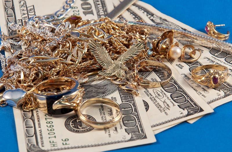 Argent comptant pour les bijoux et l'or photo libre de droits