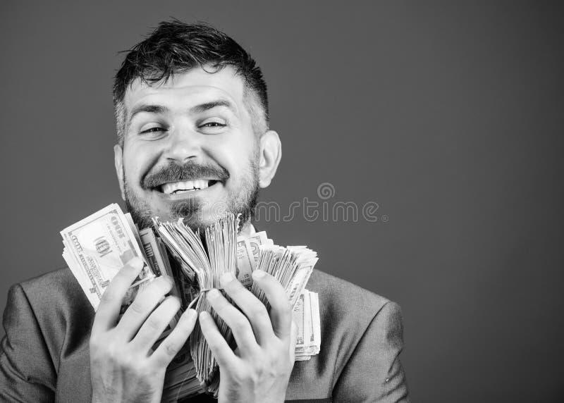 Argent et puissance gain d'une loterie homme d'affaires apr?s grande affaire Finances et commerce Succ?s d'affaires et de sport photographie stock