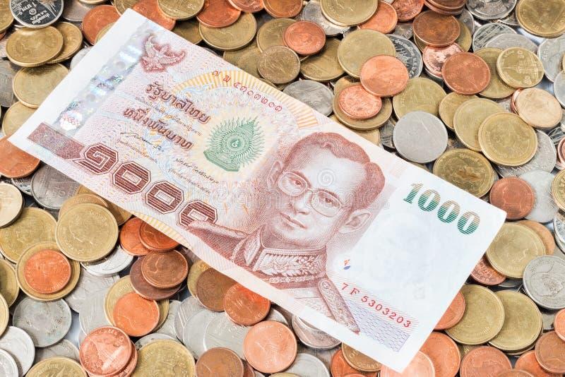 Download Argent Liquide Sur Des Pièces De Monnaie, Devise Photo stock - Image du cash, accroissement: 87707532