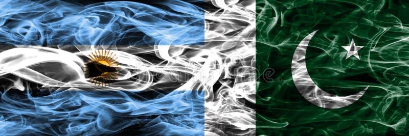 Argentina contra as bandeiras do fumo de Paquistão colocadas de lado a lado Colo grosso ilustração stock