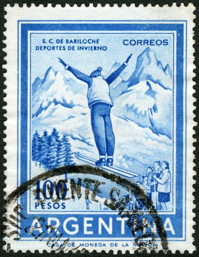 ARGENTINA - 1959: mostras Ski Jumper imagem de stock royalty free
