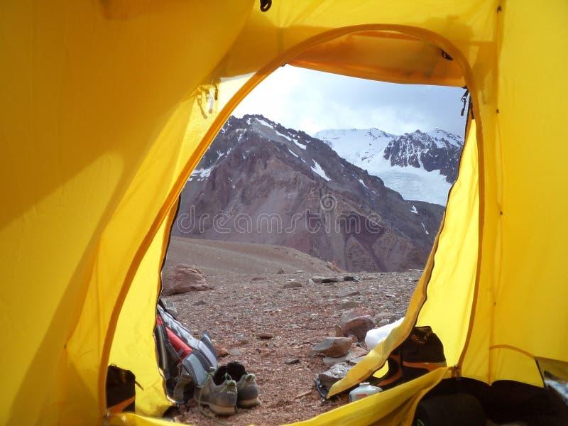 Argentinië - Beroemde pieken die - in Cantral de Andes wandelen - rust in het kamp stock foto's