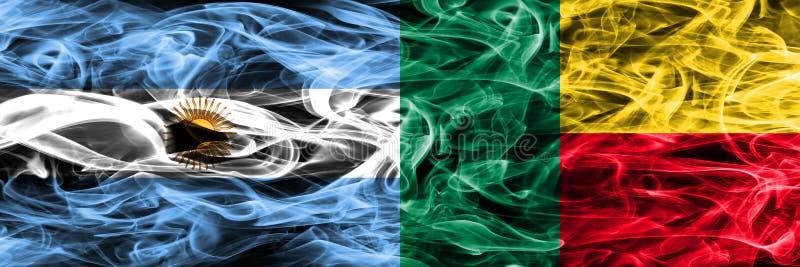 Argentinië versus Benin zij aan zij geplaatste rookvlaggen Dikke colore vector illustratie