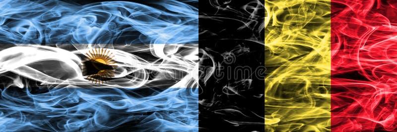 Argentinië versus zij aan zij geplaatste de rookvlaggen van België Dikke colo royalty-vrije illustratie