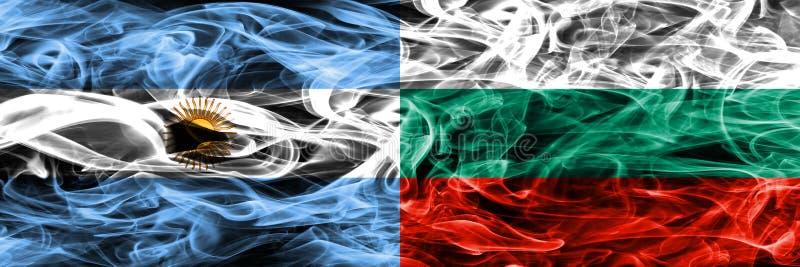 Argentinië versus zij aan zij geplaatste de rookvlaggen van Bulgarije Dik col. vector illustratie