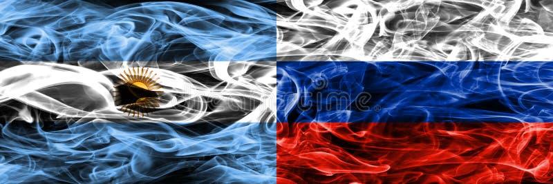 Argentinië versus zij aan zij geplaatste de rookvlaggen van Rusland Dik gekleurde zijdeachtige rookvlaggen van Argentijns en Rusl vector illustratie