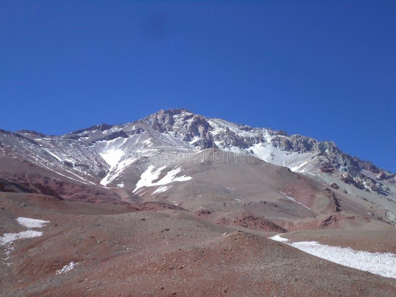 Argentinien - berühmte Spitzen - wandernd in Cantral Anden - La Ramada lizenzfreie stockfotos